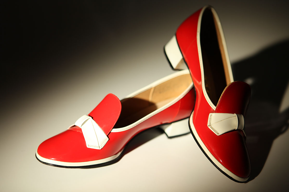 Фото: красные туфли